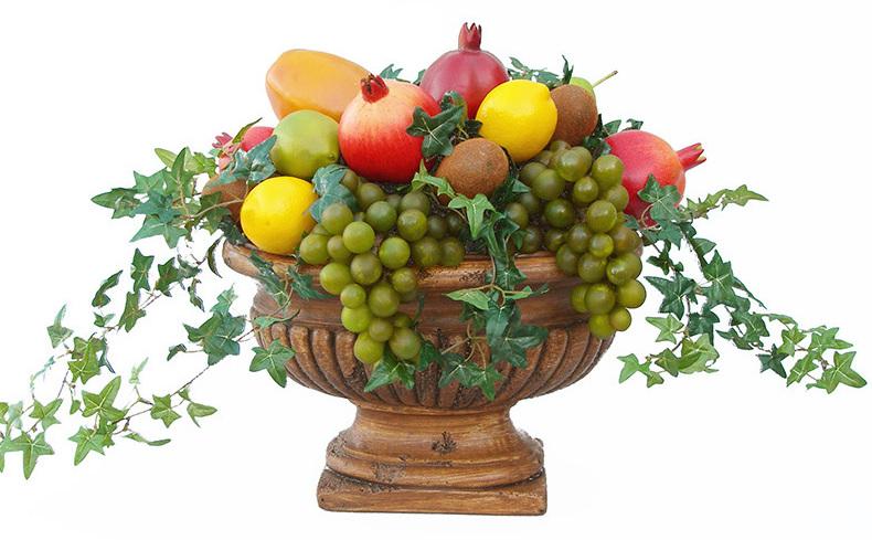 композиция из фруктов в вазе