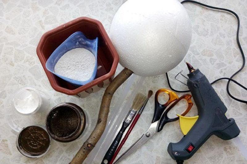 Инструменты и материалы для изготовления кофейного деревца