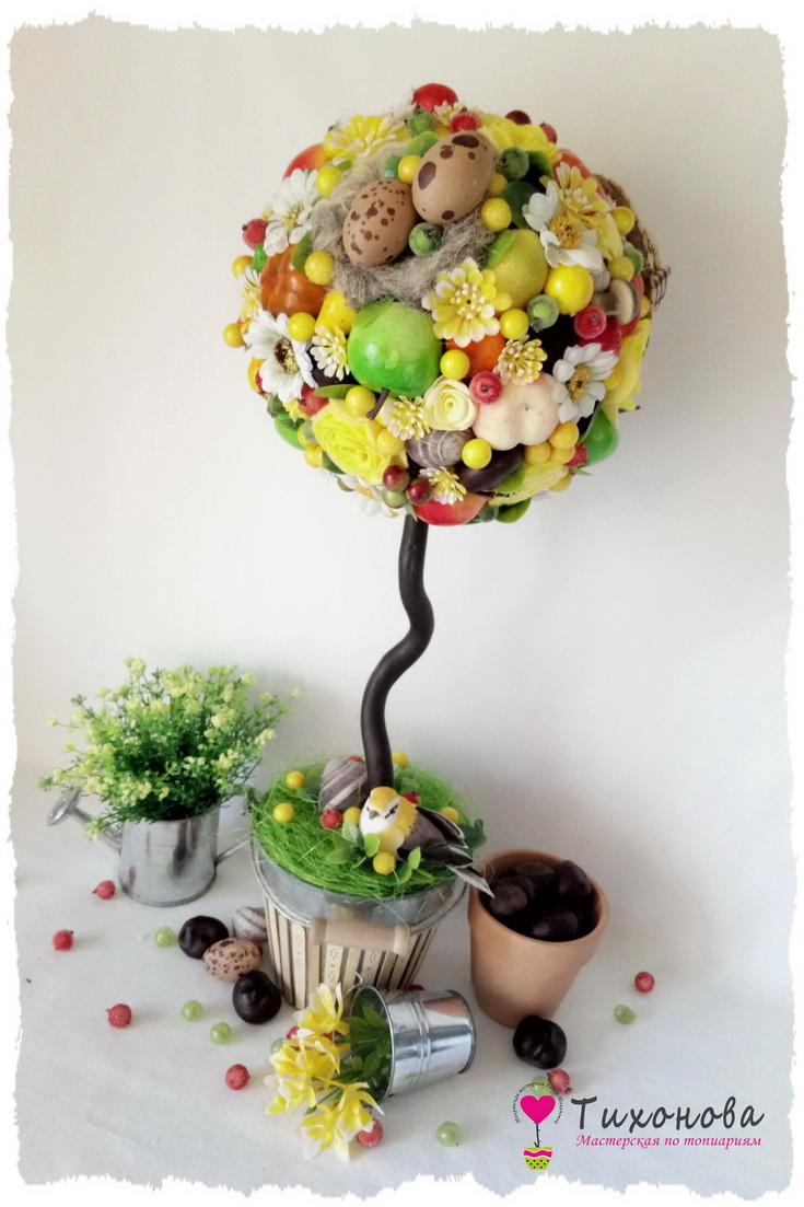 Топиарий из овощей и фруктов с сизалем и искусственными цветами