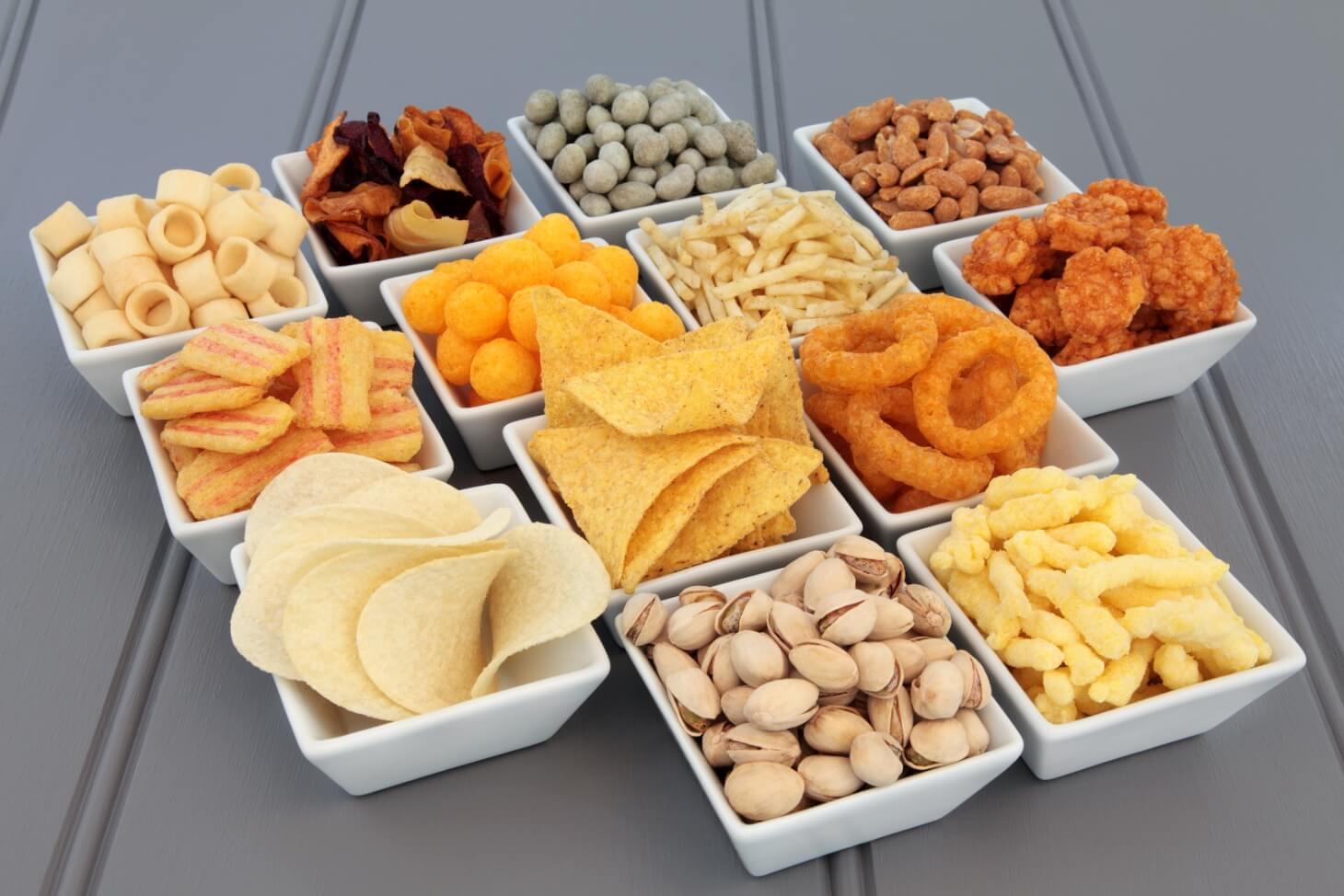 Из-за каких продуктов в рационе постоянно хочется есть