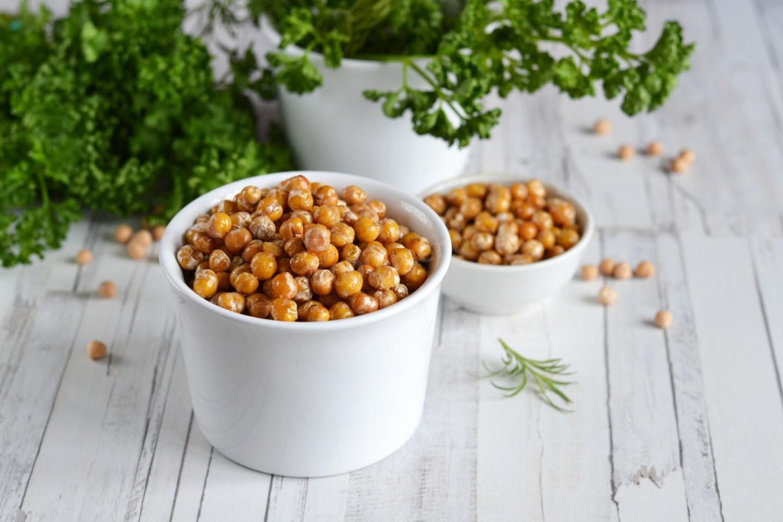 Нутовые чипсы: полезная закуска для тех, кто на диете