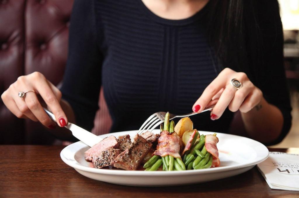 Как не толстеть, если приходится поздно ужинать